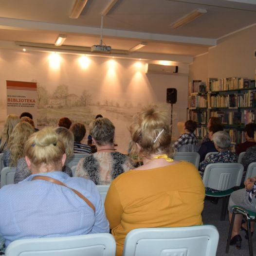 Spotkanie zMoniką A. Oleksa inagrodzenie Najlepszych Czytelników 2019 roku
