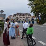 Akcja promocyjna NARODOWE CZYTANIE - kanclerz, Goplana i mieszkańcy spotkani na ulicy