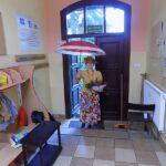 Głośne czytanie w Lubczynie, deszczowa Pani Jesień