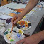 plener malarski paleta artysty i obraz