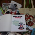II edycja bibliotecznych podróży koziołka Klemensa koziołek w walizce w bibliotece